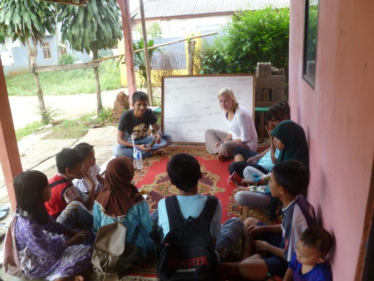 indonesie dobrovolnik